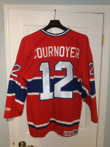 Yvan Cournoyer jersey signed Montreal Canadiens