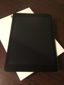MINT: Space Grey iPad Air WiFi + Cellular (LTE) 16 GB For Sale