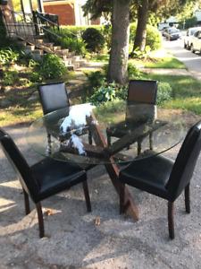 Table ronde en verre, pour 6-8 personnes