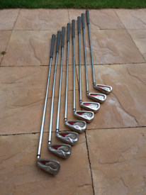 Wilson Staff di9 irons 4-SW with new lampkin grips
