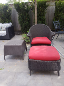 Patio Club Chair with Ottaman and Side Table