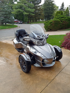 One Owner Spyder RTS, excellent condition.