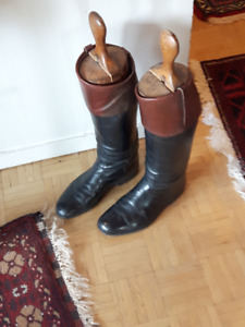 Black Leather Riding Boots: Size 8.5 - 9