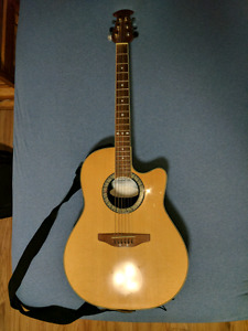 Acoustic / Electric Ovation Celebrity Guitar