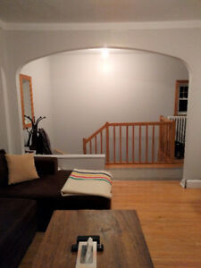 Lovely large 4 1/2 upper duplex in fantastic Montreal-West locat