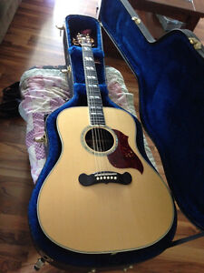Gibson acoustic electric amp included