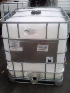 1000 liter tanks