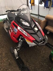 2015 Polaris Switchback 800 Pro R ES 30hrs ! Like new