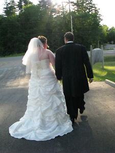 Plus Size Wedding dress (18-22)street size Belleville Belleville Area image 2