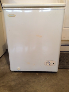 DEEP FREEZE SMALL DANBY FREEZER
