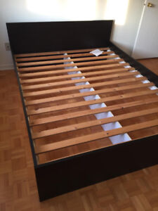 Queen Bed And Bed Frame Kijiji In Greater Montreal Buy Sell
