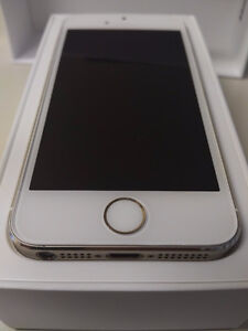 Unlocked iPhone 5s - Gold with OtterBox & Charger **only $250**