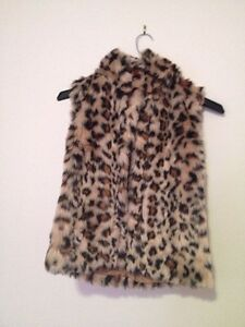 FAUX FUR vest animal print