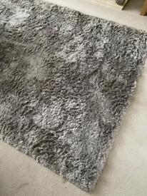 Fantastic extra large furniture village rug grey silver sheen