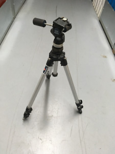 Manfrotto Tripod / Trépied Manfrotto