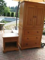 Entertainment/Dresser & matching nite stand set