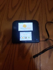 BLACK AND RED NINTENDO 2DS WITH 4GB SD CARD