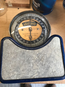 VINTAGE HUMAN FLOOR WEIGH SCALE ACME QUEBEC