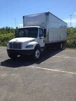 Freightliner M2 26' box c/w taillift
