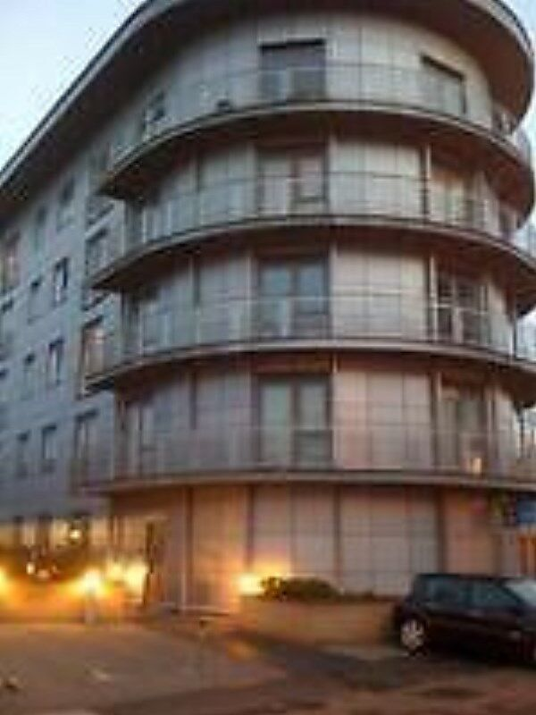 2 BED APARTMENT: WESTSIDE APARTMENT RODEN STREET ILFORD IG1 2AQ - EXCLUDE BILLS