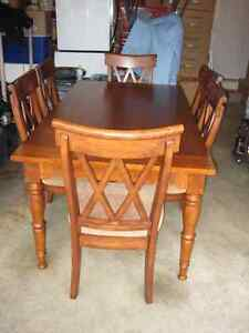 Buy or sell dining table sets in tricities pitt maple furniture kijiji classifieds - Lazy boy dining room sets ...
