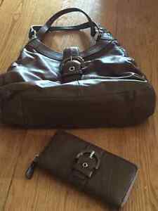 Leather Brown Coach Purse and Wallet Kingston Kingston Area image 1