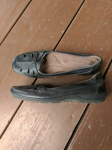 Naturalizer leather flats size 10 BNWOT