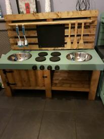 Mud kitchen (Mudkitchen outdoor indoor toys)