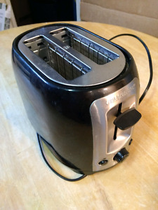 *MOVING* Black & Decker toaster