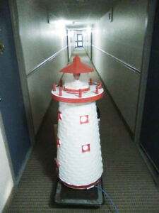 LOVELY 5FT TALL NEW BRUNSWICK SOLID WOOD FLASHING LIGHTHOUSE