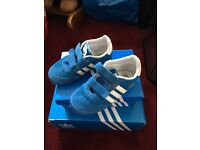 Kids adidas trainers blue size 9