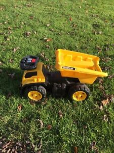 Caterpillar Children's Dump Truck