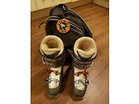 Salomon Performa silver-grey women ski boots UK size 6.5 (298 mm 25/25.5)