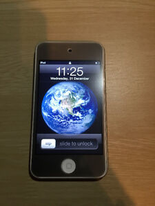 Mint condition iPod touch 4s
