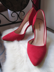 Red suede shoes, Size 5, new in box