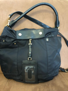 AVAILABLE IF YOU SEE THIS -AUTHENTIC MARC JACOBS BLACK PURSE $70