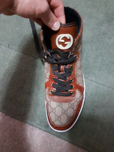 Mens Gucci  sneakers $320 size 10