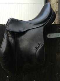 Black Stubben CTD jumping saddle