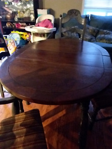 New price wood table with 4 chairs