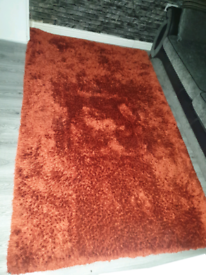 Rug in Rust color