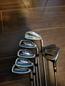 RH-Assorted clubs. Good for starters