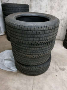 Set of used michelin ltx tires 275/55R20
