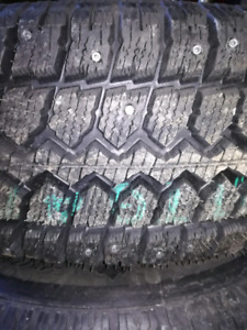 245/70/R16-NEW-STEEL RIMS-STUDDED WINTER TIRES