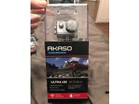 Akaso EK7000 Action camera with loads accessories included