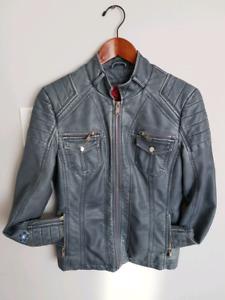 Veste en cuir bleu jeans