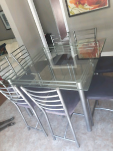 Table with 8 chairs - Dining