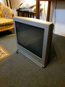 "27"" Sanyo - DS27424 TV"