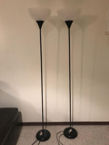 2 6 FEET BLACK FLOOR LAMPS