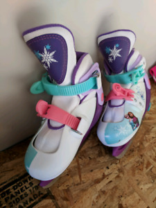 Adjustable ice skate youth size 8 to 11 (Frozen)
