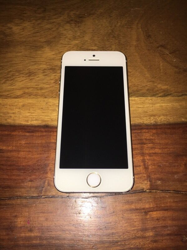 iphone 5s 32gb in gold and white 150 in stapleton. Black Bedroom Furniture Sets. Home Design Ideas